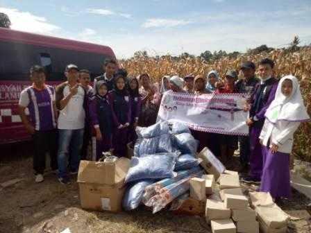 Timkes Mahasiswa STIKes Aisyah Pringsewu Serahkan Bantuan Kepada Korban Bencana Tsunami Banten Lampung