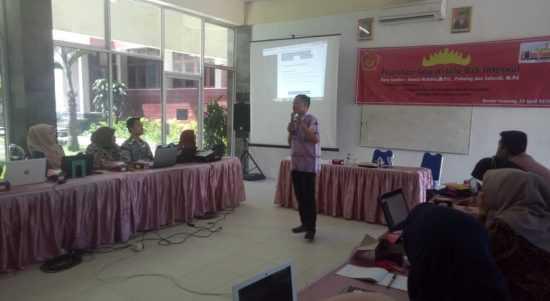 Hamid Mukhlis Berikan Pelatihan Tata Kelola OJS di UTB Lampung