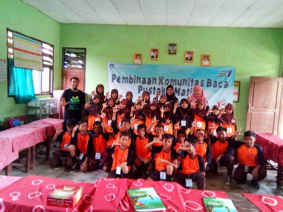 Kantor Bahasa Provinsi Lampung Lakukan Pembinaan Komunitas Baca di Pringsewu